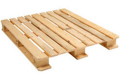Double wing wooden pallet